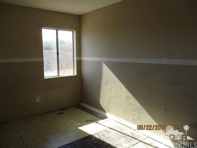 31846 Shelter Drive, Thousand Palms CA: http://media.crmls.org/medias/adf13b27-4a96-42f3-bcf6-cfa9573d0fc9.jpg