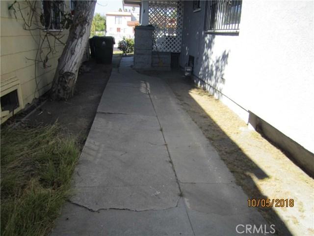1844 West 38th Place, Los Angeles CA: http://media.crmls.org/medias/adf6f471-69cd-4aef-befb-3b4a782e3d4b.jpg