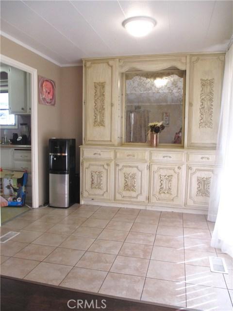 1630 barranca Avenue, Glendora CA: http://media.crmls.org/medias/adf78a55-1f73-4576-8fa4-66a74e4a483c.jpg