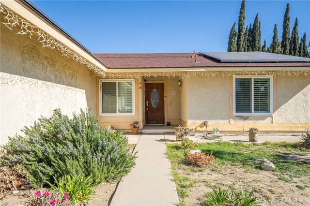 Detail Gallery Image 1 of 15 For 7415 Lombardy Ave, Fontana,  CA 92336 - 3 Beds | 2 Baths