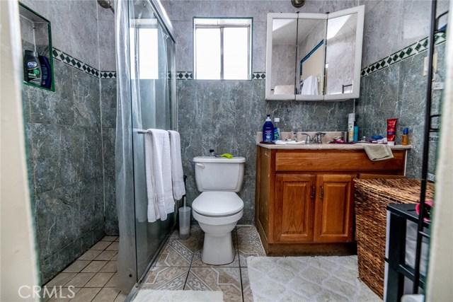 10526 Citrus Avenue, Fontana CA: http://media.crmls.org/medias/adfd62ff-78ce-4c58-8192-850acb3263a8.jpg