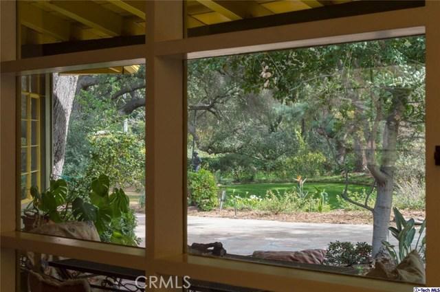 4228 Chula Senda Lane, La Canada Flintridge CA: http://media.crmls.org/medias/adffcfcb-0adf-4b97-968e-cd58b0af9c72.jpg