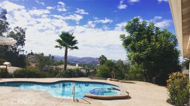 2472 Canyon Creek Road, Escondido, CA 92025
