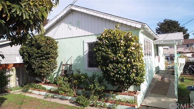 557 S 10th Street, Grover Beach, CA 93433