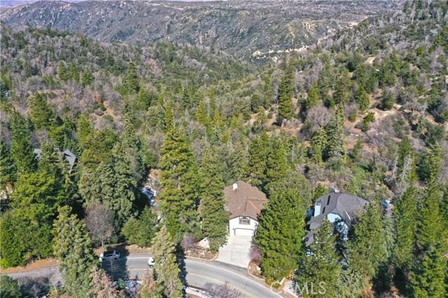 283 Fairway Drive, Lake Arrowhead CA: http://media.crmls.org/medias/ae19639f-4202-478b-8873-a37092463a9d.jpg