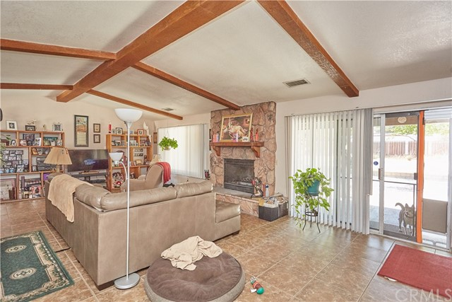 9930 Cottonwood Avenue Hesperia, CA 92345 - MLS #: CV18117645
