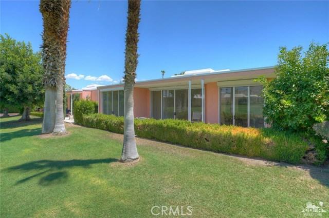 47043 Arcadia Lane, Palm Desert CA: http://media.crmls.org/medias/ae1f768f-78aa-45ec-be18-cca42675c515.jpg
