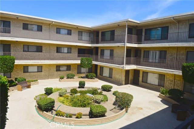 3511 Elm Avenue, Long Beach CA: http://media.crmls.org/medias/ae224ca7-0536-4da6-8b6d-c2cbdb7136f8.jpg