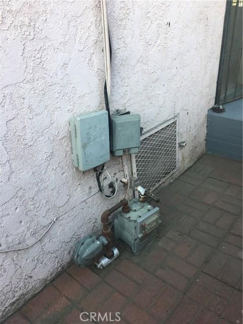 5725 S Budlong Av, Los Angeles, CA 90037 Photo 13