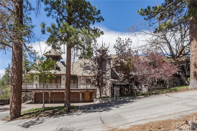 Single Family Home for Sale at 848 Jeffries Road Big Bear, California 92315 United States