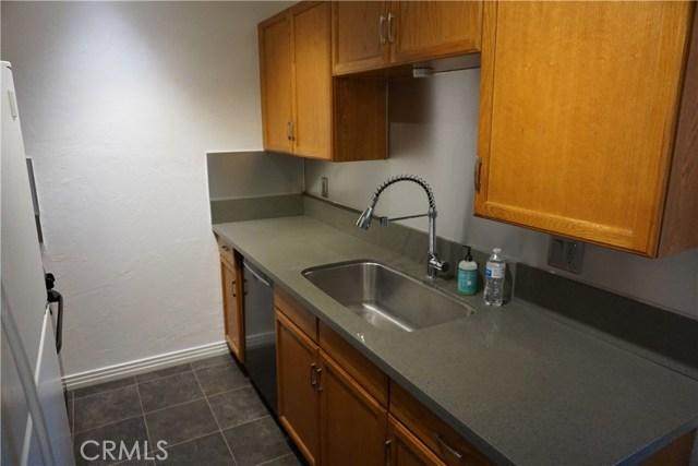 422 N 8th Avenue, Upland CA: http://media.crmls.org/medias/ae3a8035-5609-4db9-bacb-b8b6f3f88425.jpg