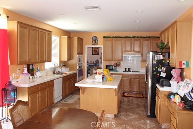 1130 Laurelhurst Heights, San Jacinto CA: http://media.crmls.org/medias/ae4ec335-e83b-4e3d-99f6-766056e48fa1.jpg