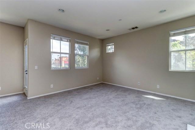 6250 Isidora Lane, Eastvale CA: http://media.crmls.org/medias/ae51842a-e02d-4864-a19f-ba513890ccbf.jpg
