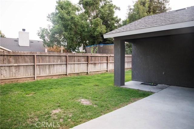5321 W Fedora Avenue, Fresno CA: http://media.crmls.org/medias/ae55a774-a253-45d4-ac44-81bfe7439e58.jpg