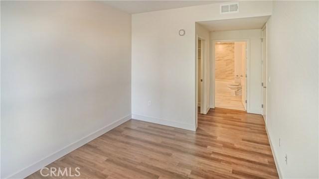 620 S Virgil Avenue, Los Angeles CA: http://media.crmls.org/medias/ae68d465-02fa-45cb-98df-009d6400d6af.jpg