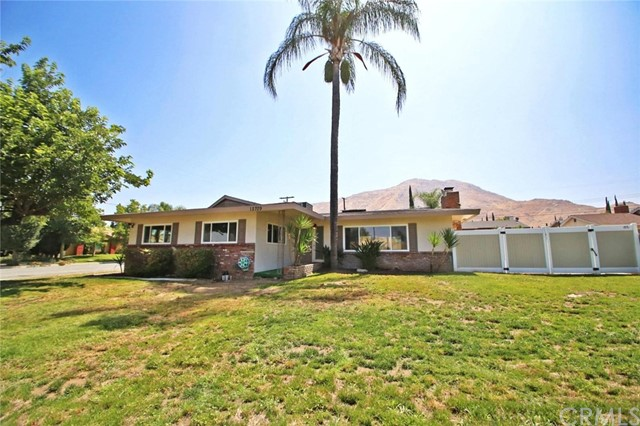 Single Family Home for Sale at 12709 Wilmac Avenue Grand Terrace, California 92313 United States