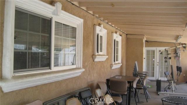 625 Montrose Avenue, Hemet CA: http://media.crmls.org/medias/ae6dd8dc-ca67-4161-8621-067fdf7d967a.jpg