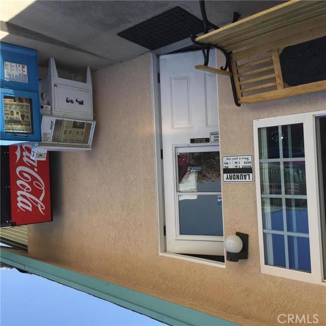 5300 Route 66, Needles CA: http://media.crmls.org/medias/ae764558-79ae-473d-8b75-2670ff984804.jpg