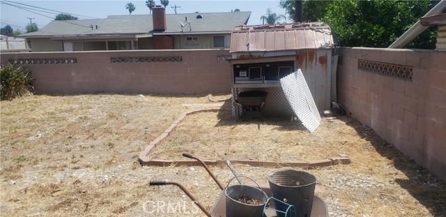 945 N Althea Avenue, Rialto CA: http://media.crmls.org/medias/ae786caf-612a-401b-ba75-0f111de1614d.jpg