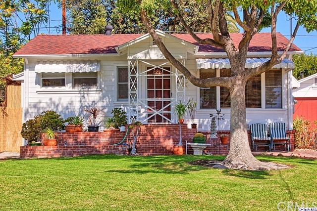 3029 Hermosa Avenue La Crescenta, CA 91214 is listed for sale as MLS Listing 316009011