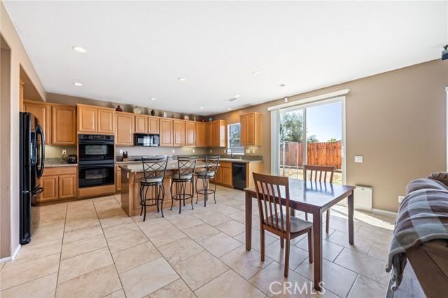 37275 High Ridge Drive, Beaumont CA: http://media.crmls.org/medias/ae918355-a82f-49fb-9d59-65f66c91f27f.jpg