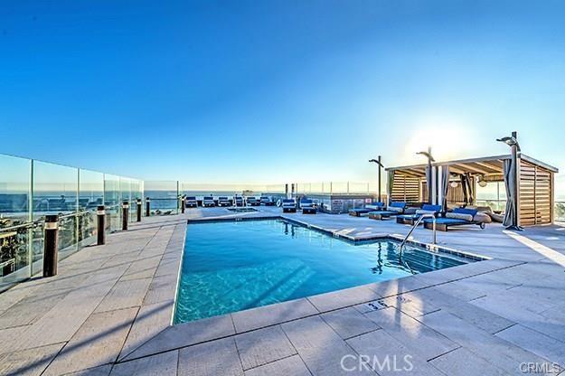 1755 Ocean Avenue, Santa Monica CA: http://media.crmls.org/medias/ae9bdd13-5f38-432c-93f7-d97f86e16b92.jpg
