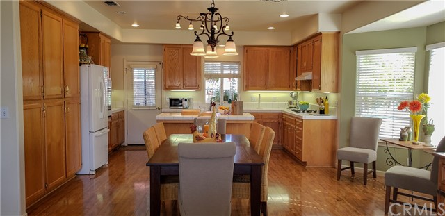 1914 Pebble Beach Court, Paso Robles CA: http://media.crmls.org/medias/ae9dcdbd-29a5-4797-9778-527d7bb29c27.jpg