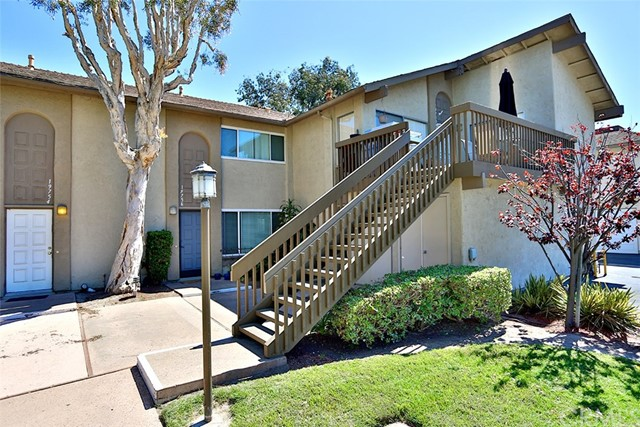 Townhouse for Sale at 19756 Bromley Lane Huntington Beach, California 92646 United States