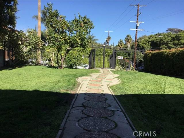 4302 Russell Avenue, Los Angeles CA: http://media.crmls.org/medias/aed6f706-9f49-4afd-9732-8e469852ad37.jpg