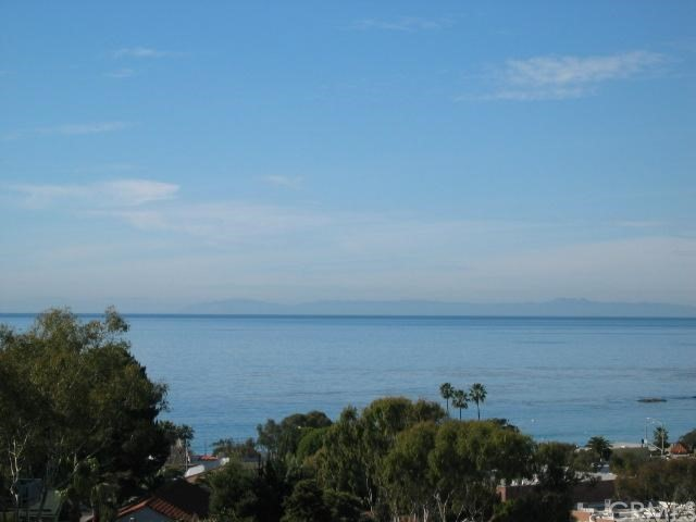 404 Loma Terrac C , CA 92651 is listed for sale as MLS Listing LG18250840