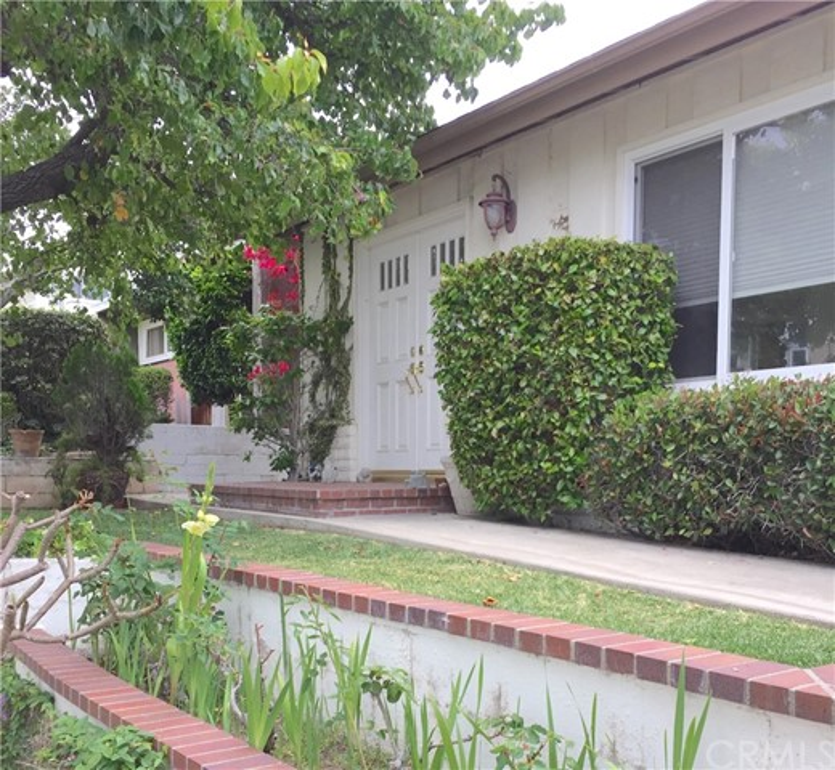 702 Poinsettia Avenue Corona del Mar, CA 92625