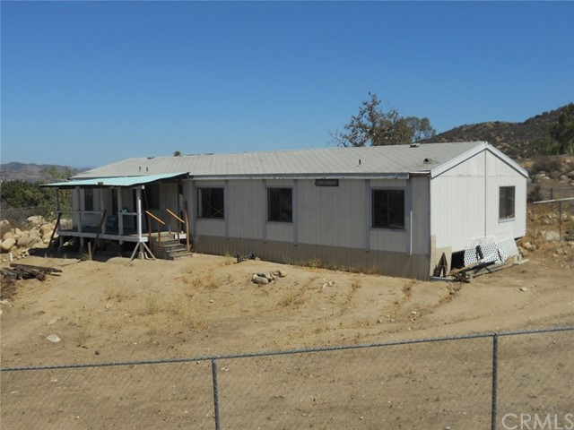 34650 Borchard Road, Lake Elsinore CA: http://media.crmls.org/medias/aef0555a-4eb6-482d-b203-4058a0ff1764.jpg