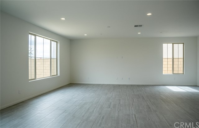 4619 S Reflection Lane, Ontario CA: http://media.crmls.org/medias/aefdbb90-8007-47c4-8015-1b2b49110522.jpg