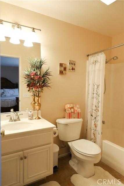 2563 Gilbert Avenue, Corona CA: http://media.crmls.org/medias/af064b4a-3989-44b9-a1ce-7dc112540ac2.jpg