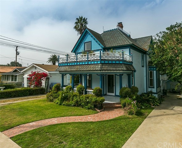 323 S Francisca Avenue Redondo Beach, CA 90277 is listed for sale as MLS Listing SB17129957