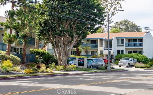 902 Camino Real, Redondo Beach CA: http://media.crmls.org/medias/af14c41c-3880-4d5b-9aaf-2eb24c6a85f4.jpg