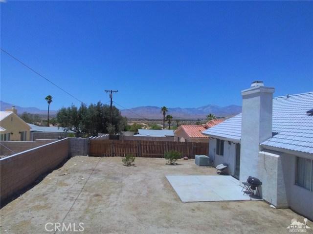 66029 Avenida Barona, Desert Hot Springs CA: http://media.crmls.org/medias/af246d88-ebc6-454d-b696-35975cfd9f32.jpg