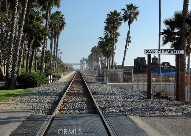 170 Avenida De La Paz, San Clemente CA: http://media.crmls.org/medias/af28d06d-62cb-4091-adf7-3efcbff4e3b4.jpg