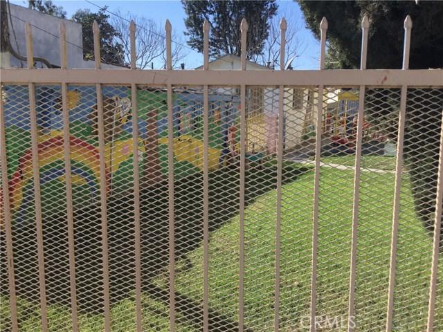 6928 Long Beach N Boulevard, Long Beach CA: http://media.crmls.org/medias/af30bf91-a7fa-4c77-85b2-db9250e992a3.jpg