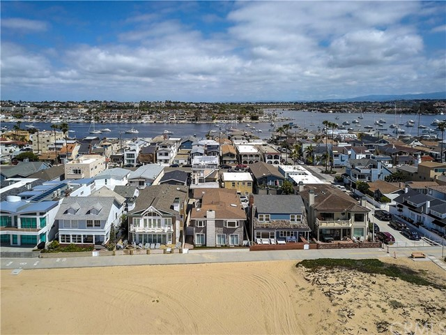 : 908 Oceanfront , Newport Beach, CA 92661