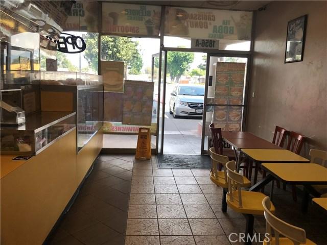 1856 S Euclid Avenue, Ontario CA: http://media.crmls.org/medias/af5e4f8e-0c60-4bdd-b3c9-399000c906e5.jpg