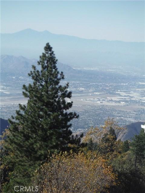 30293 Leprechaun Court, Running Springs Area CA: http://media.crmls.org/medias/af5f3932-6f6b-4bc2-9ac7-b1bd39bda6d3.jpg