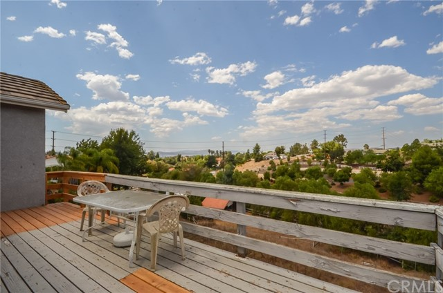40880 Via Media Temecula, CA 92591 - MLS #: SW17205913