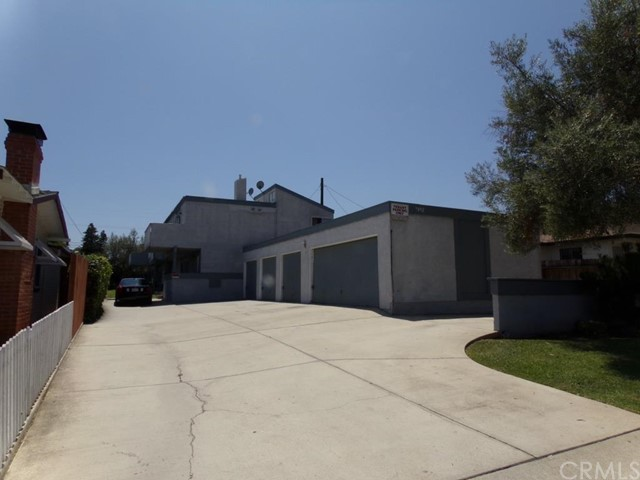 7892 Newman Avenue Huntington Beach, CA 92647 is listed for sale as MLS Listing PW15214392