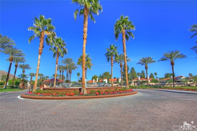 48530 Via Amistad La Quinta, CA 92253 is listed for sale as MLS Listing 216034646DA