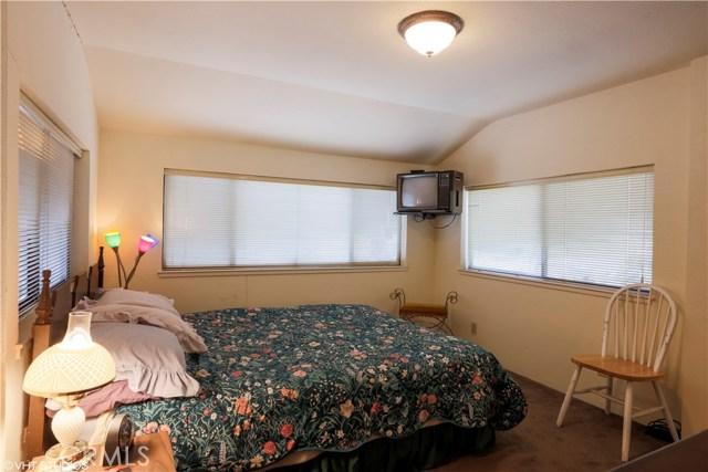 5779 Crawford Street, Clearlake CA: http://media.crmls.org/medias/afa9b47f-a4f5-4877-8232-defd1b72e5f8.jpg