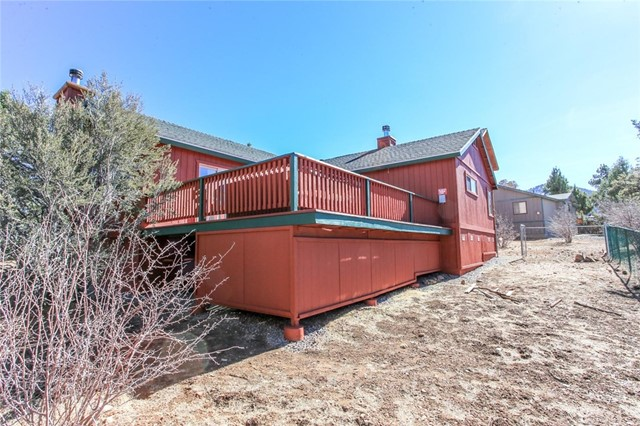 1379 Flintridge Avenue Big Bear, CA 92315 - MLS #: EV18026423