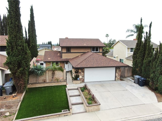 24252 Ursula Circle, Lake Forest CA: http://media.crmls.org/medias/afc1961d-4bce-40db-b485-8d19f0939be6.jpg