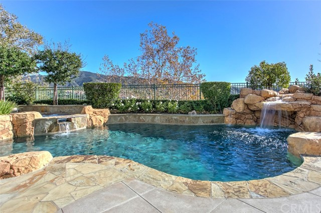 Single Family Home for Sale at 2 Highpoint Rancho Santa Margarita, California 92679 United States