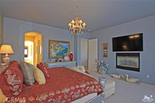 104 Loch Lomond Road, Rancho Mirage CA: http://media.crmls.org/medias/afc8904c-e520-4097-b3f0-121b7149a0d3.jpg